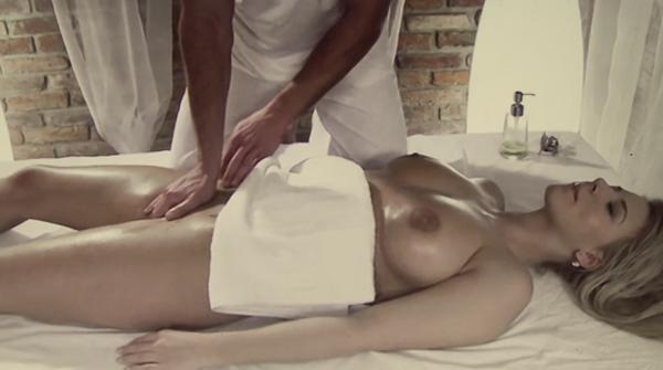 tehnika-eroticheskogo-massazha-zhenskoy-grudi